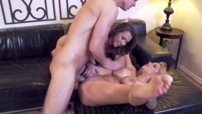 Milf Alyssa Lynn teach a lesson on how to fuck to her stepdaughter & her bf