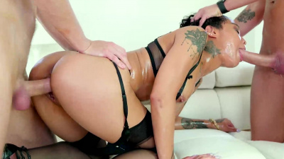 lubed Honey Gold taking dp & squirting all over