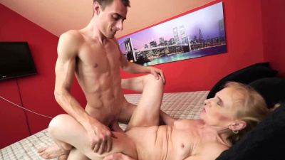 Insatiable granny gets her man to go down and lick her vintage pussy