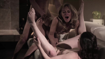 Lesbian mom Mona Wales uses step-son as bait to seduce college girl Casey Calvert