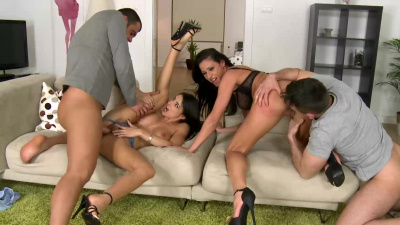 Martina Gold and Sofia Cucci incredible foursome