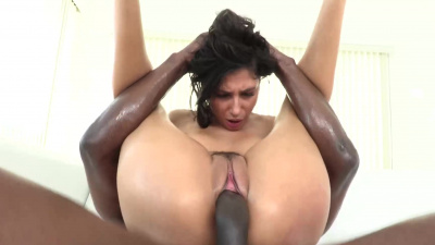 Super model Gianna Dior goes hard with some BBC