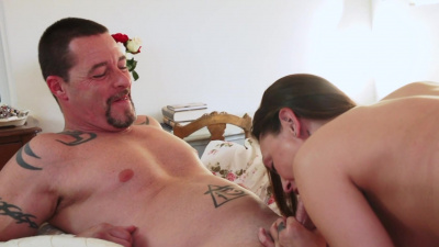 Slim babe Olivia Wilder has an affair behind her husband's back
