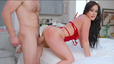 Jennifer White has a thing with her friend's husband