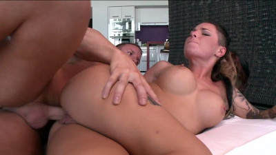 Christy Mack gets the shit railed out of her by porn dude