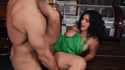 Thicky Gabriela Lopez craves tasty cock