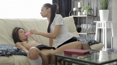 Anita Sparkle spanking Mary-Dee and gives her a threesome lesson