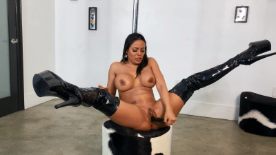 Luna Star shows off her pole dancing skills in a sexy nylon outfit