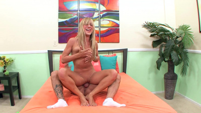 Dirty little Amy Brooke fulfills her naughty fantasies