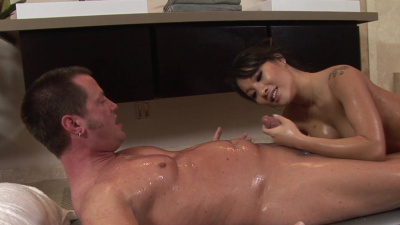 Horny dude eats Asa's pussy with extreme passion and gets his cock milked