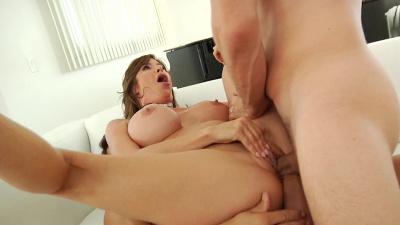 Curvaceous ladies love double penetration Compilation
