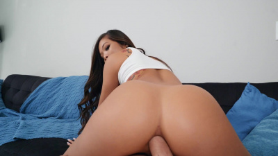 Vina Sky anal gaping workout with pervy personal trainer