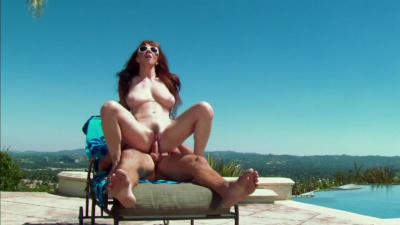 Sunny day is excellent opportunity for sex Rayveness