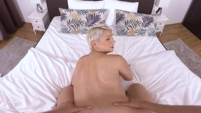 Kittina shoots a home video with her man VR