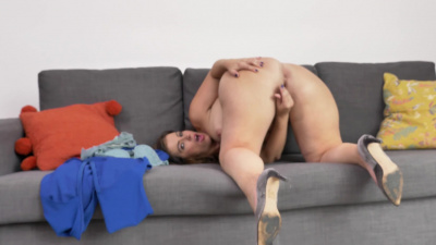 Montse Swinger diving in for a taste of her pussy juices